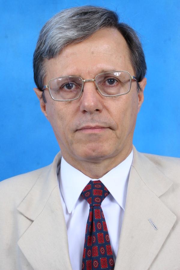 Professor Gomercindo Tadeu Silveira é eleito presidente do Conselho Curador da UnirG
