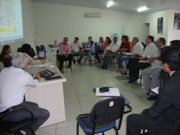 Reunião do Presidente Sávio com as diretorias da APUG-SSind e ASAUNIRG discute Revisão Salarial