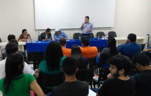 Auditório da ApuG com acadêmicos, professores, servidores e sociedade presentes