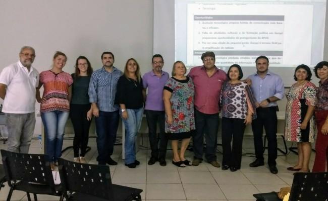 Diretoria da APUG participa de seminário sobre comunicação