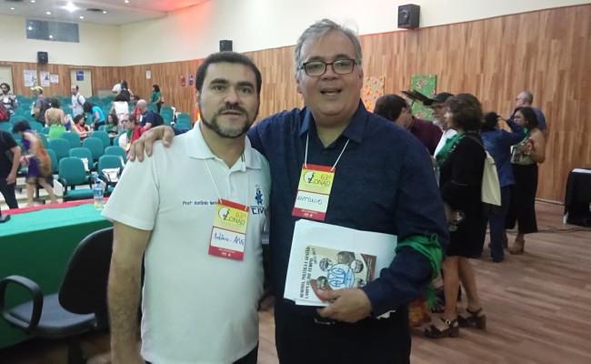 APUG publica Livro Lampejo do Tempo