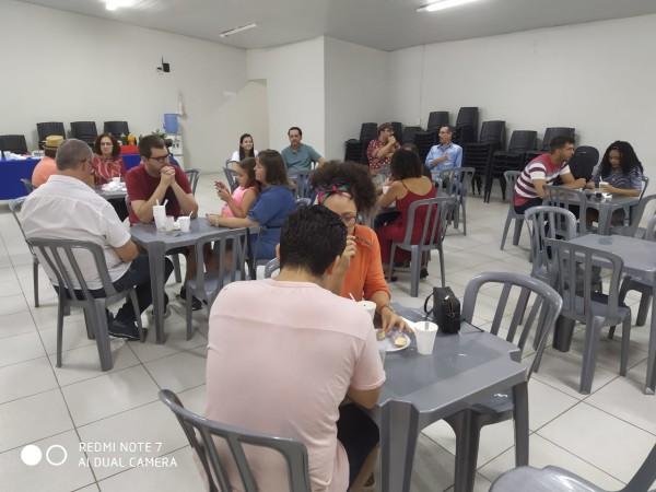 Diretoria da APUG recebe professores que estão chegando à UnirG