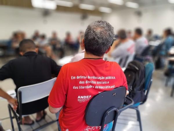Debates sobre conjuntura e movimento docente apontam necessidade de unidade de ação para 2020