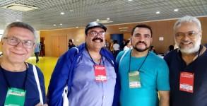 Da esquerda para a direita: Joel Pinho (vice-presidente da APUG), Paulo Henrique Mattos (ex-presidente da APUG), Antonio Netto (professor da UnirG), Gilberto Correia (Presidente da APUG)