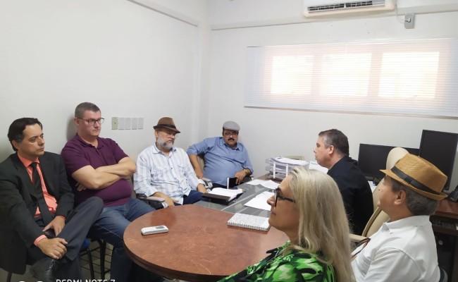 APUG negocia pagamento de recomposição e progressão com a Fundação UnirG