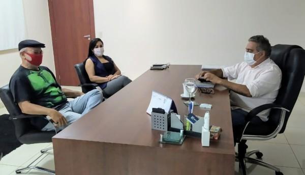 Apug e Sisemg fazem reunião com prefeito Laurez Moreira