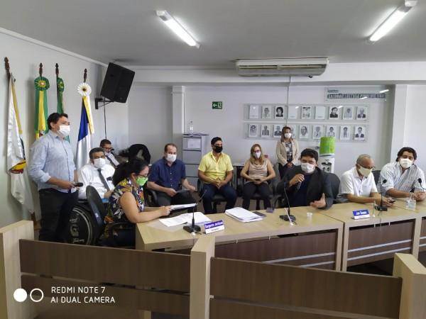 Vereador Ivanilson Marinho pede vista dos projetos que alteram o GurupiPrev