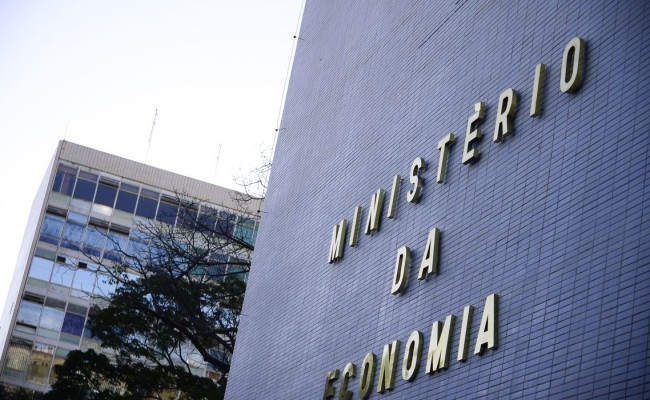 Fonasefe se reúne com Ministério da Economia para cobrar suspensão do retorno às atividades presenciais
