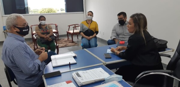 Presidente da Apug debate temas de interesses da categoria docente com a Reitoria